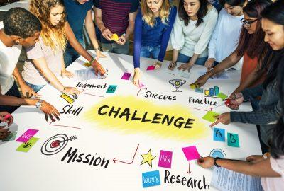 """Quels sont les bénéfices d'une pédagogie orientée """"Learn-by-rising-to-the-challenge""""? L'exemple d'un Sales Challenge"""