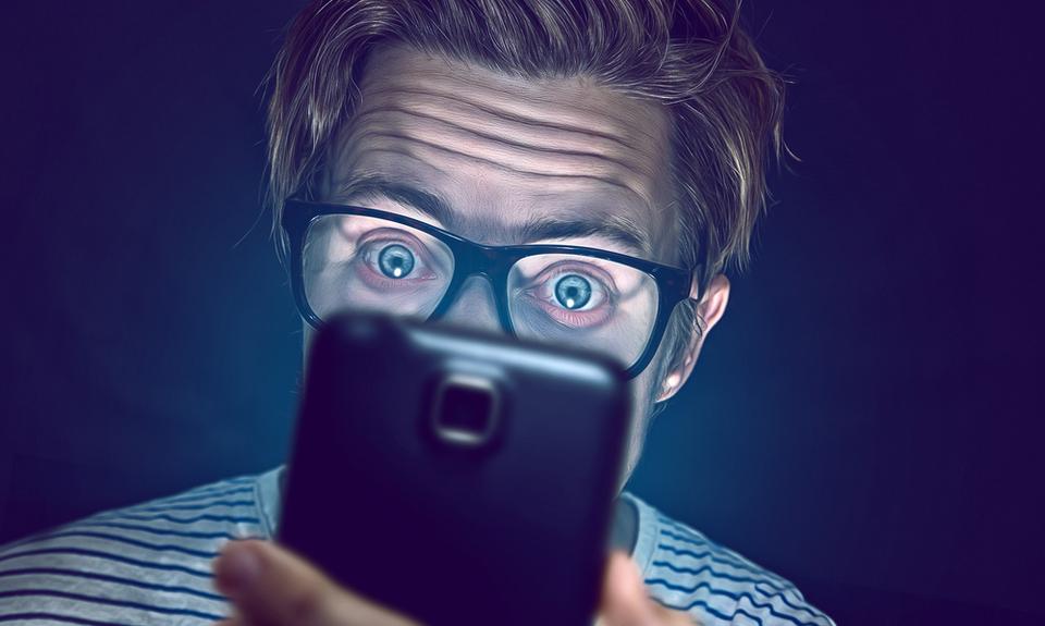 Et si la méditation vous aidait à lâcher votre téléphone?